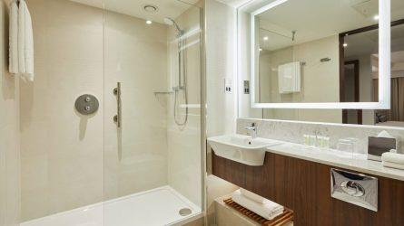 oxfcy-superior-bathroom-2608-hor-wide