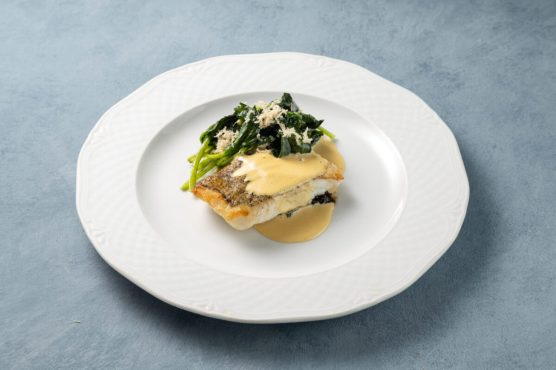 Codfish_fillet_with_cabbage_stewed_spinach_and_horseradish_root2