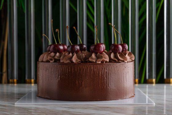 Shokoladniy tort s vishney