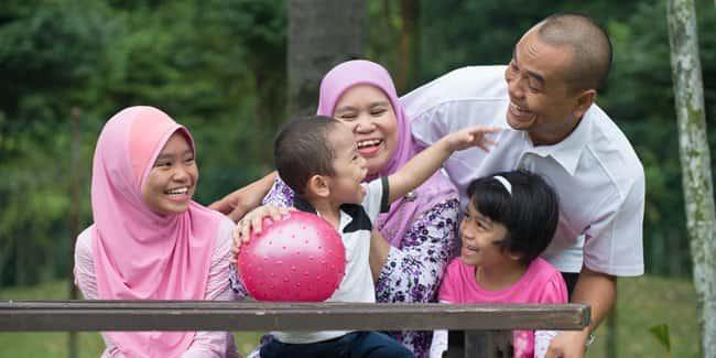 Manfaat Mengajak Anak Bermain di Taman