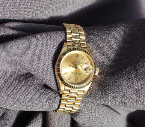 Rolex - A Lady's 18k Oyster Perpetual Date Just Superlative Chronometer wristwatch, ref: 69178. Sold for £3,500 at Anthemion Auctions