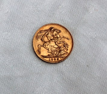 A George V gold sovereign dated 1925, South Africa mint. Sold for £170 at Anthemion Auctions