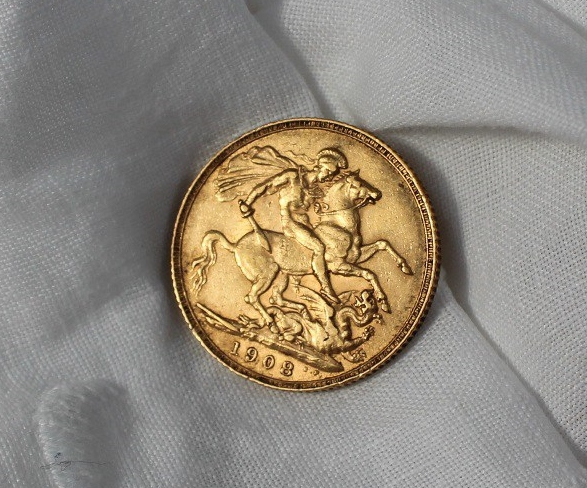 An Edward VII gold sovereign dated 1908 Sold November 2017 £200