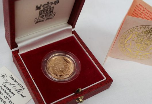 An Elizabeth II gold Sovereign, produced to commemorate 500th Anniversary of the first Sovereign 1489-1989, No.02606, cased. Sold for £850 at Anthemion Auctions
