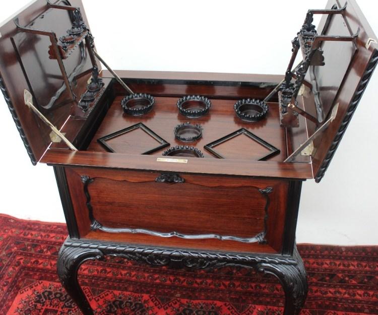 A 20th century mahogany cocktail cabinet – Lot 523