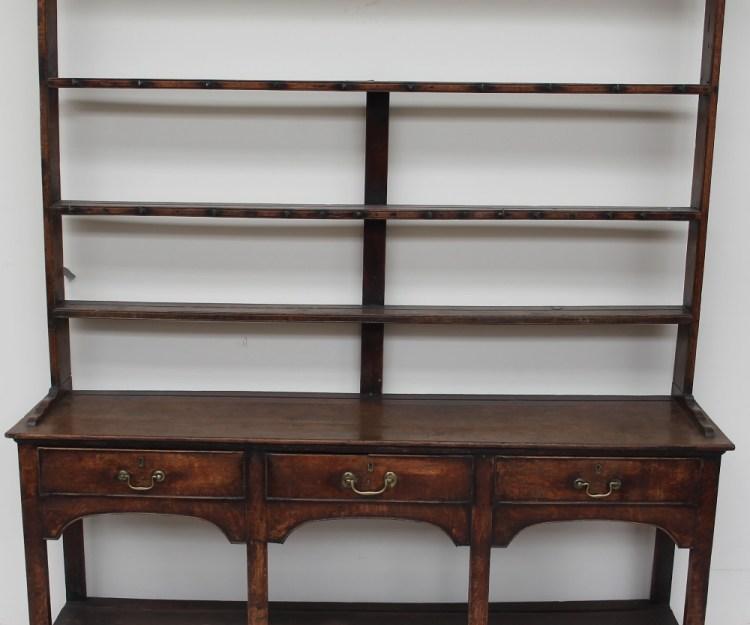 An 18th century South Wales oak dresser – Lot 526