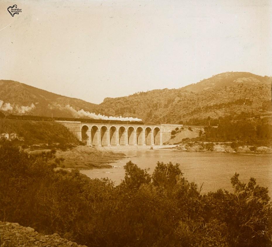 train sur viaduc avant 1923