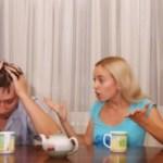 Έξι μερόνυχτα ετησίως διαρκεί κατά μέσο όρο η μουρμούρα μιας παντρεμένης γυναίκας