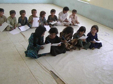 pupils_Afghanistan_without_furniture