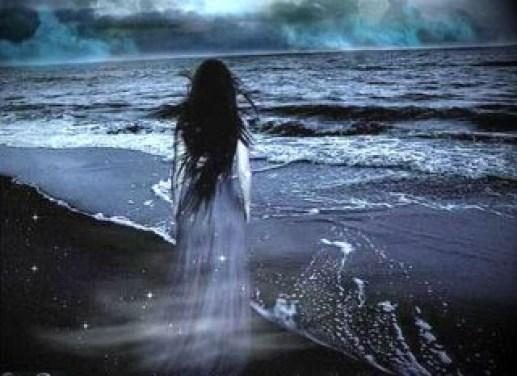 woman_sea