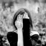 12 αλλαγές συμπεριφοράς που αντιμετωπίζουν την κατάθλιψη
