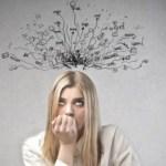 Πώς το να σκέφτεστε υπερβολικά σας κάνει δυστυχισμένους