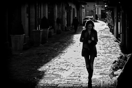girl-walking