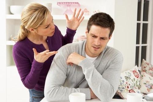 dating με εξωστρεφής Μόλις άρχισε να βγαίνει με κάποιον νέο