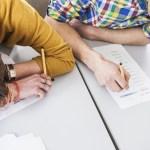 Πρέπει να βοηθούν οι γονείς τα παιδιά τους στα σχολικά τους καθήκοντα;