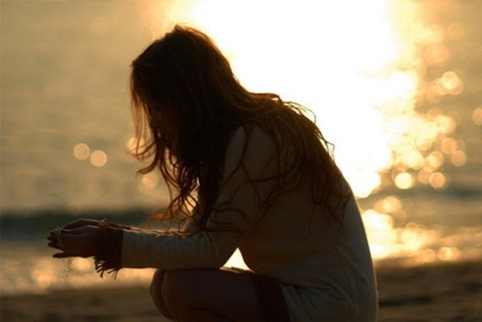Sad-alone-cute-girl-sunset-emotions-fall