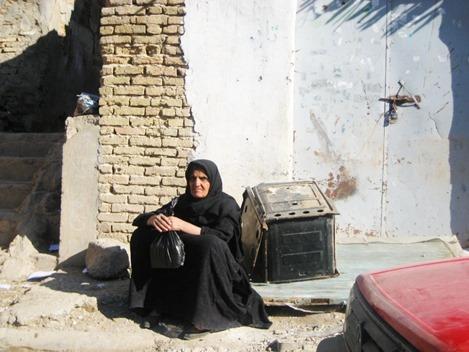 iraq-old-woman