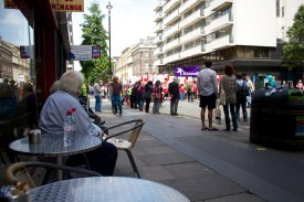 Spectators on Baker Street.