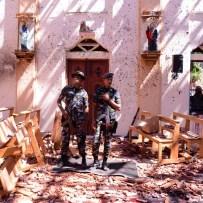 21-sri-lanka-attacks-St-Sebastian-Church-soldiers.w700.h700