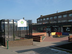 300px-Gamesley_Early_Excellence_Centre_5606