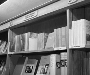 Bücherverkauf am Goetheanum