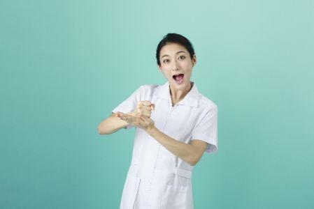 ストレスが原因の肌荒れの解消方法、対策を知った女性の写真