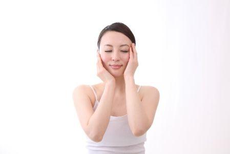化粧水や美容液などの浸透がよくなるのを実感した女性
