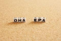 DHAとEPAの名称を記した写真