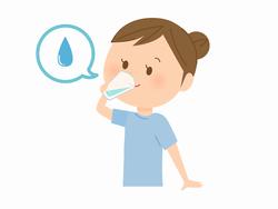 水を飲んでいる女性のイラスト