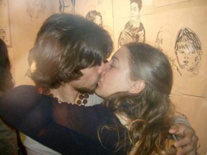beso no museu
