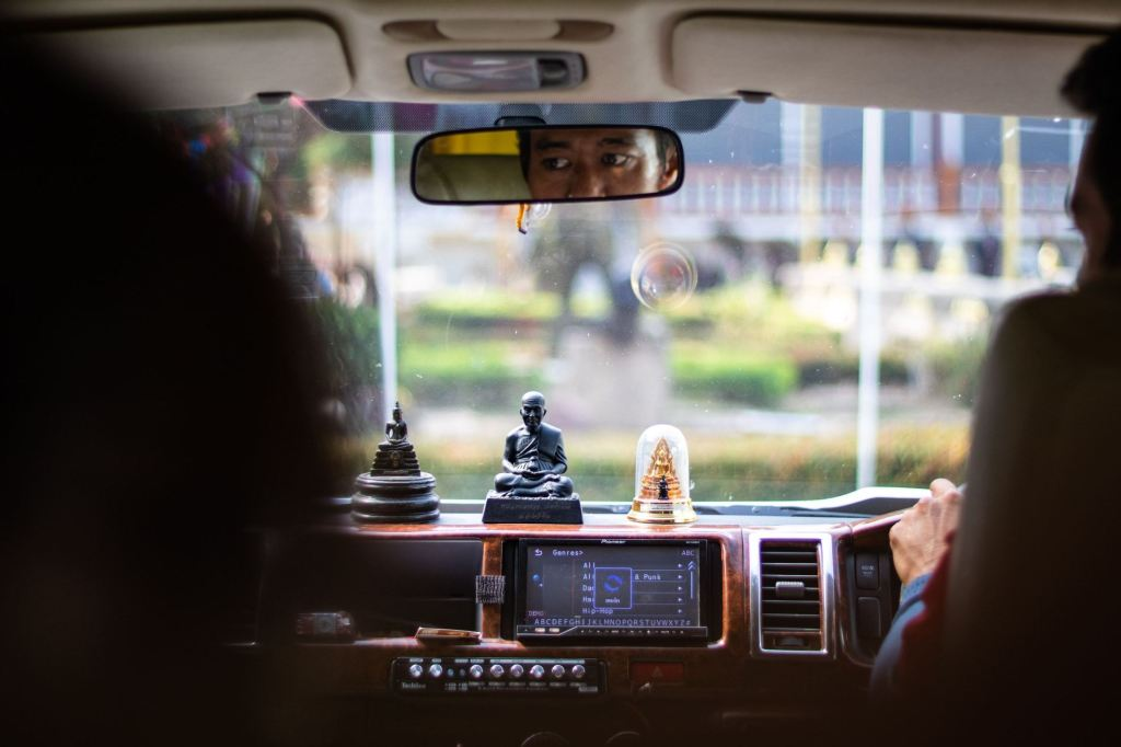 35 Things You Should NEVER Say to an Uber Driver 1
