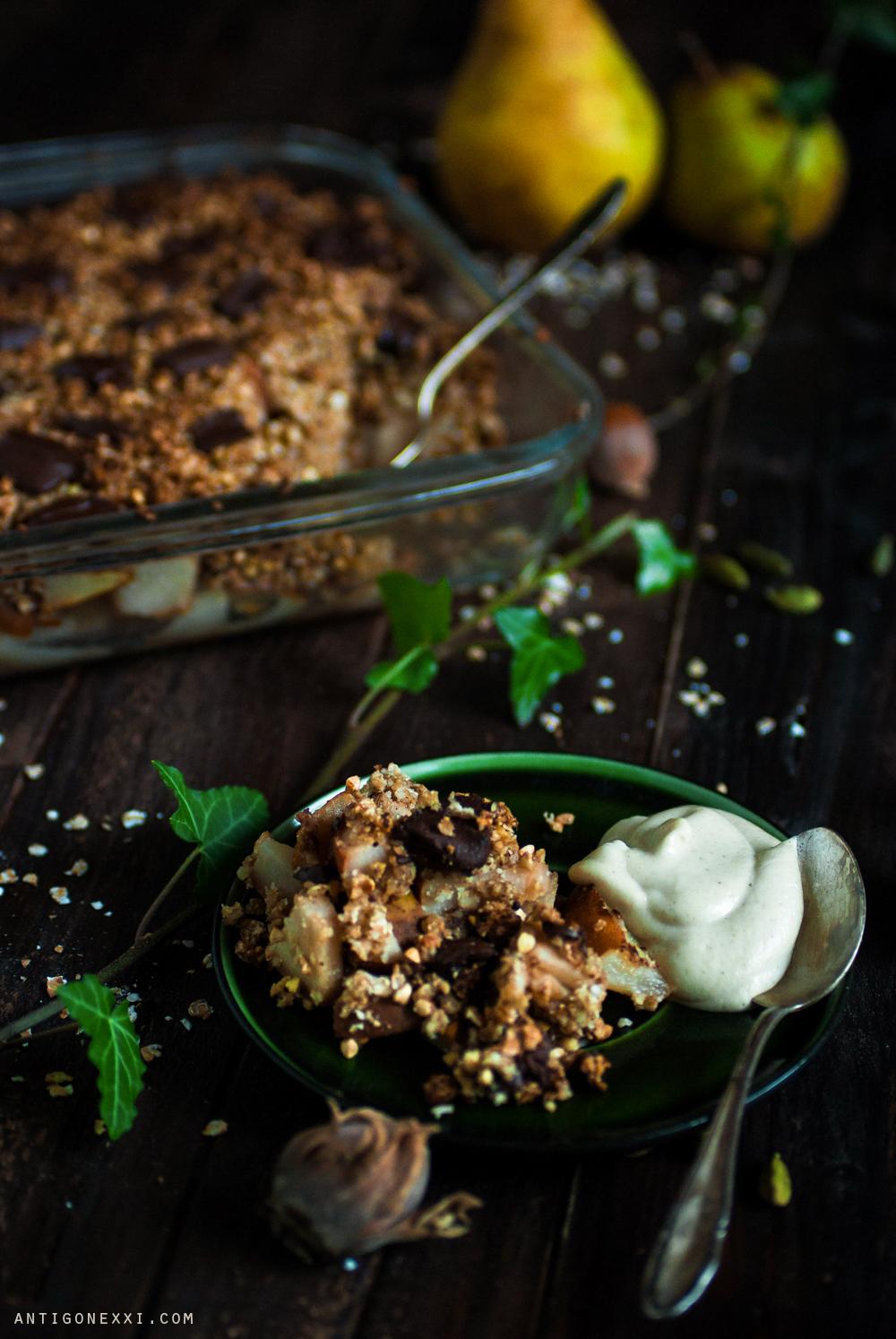 Crumble poire et chocolat {végane & sans gluten} Antigone21.com