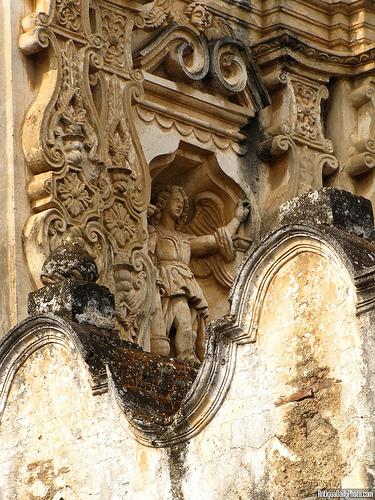 Architectonic Baroque Details by Rudy Girón
