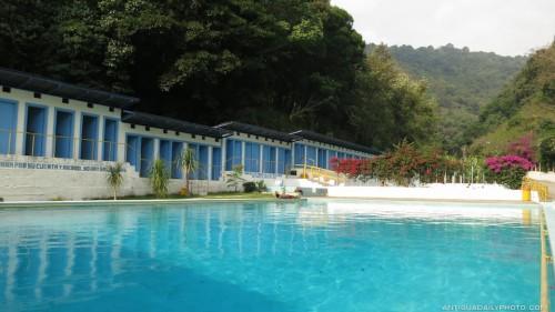 A Day at the Spring-water Pools of Finca El Pilar by Rudy Girón