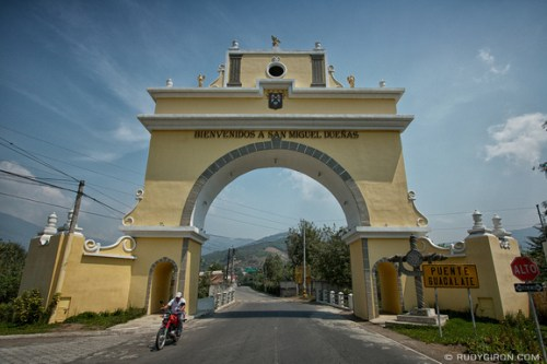 Rudy Giron: AntiguaDailyPhoto.com &emdash; Bienvenidos a San Miguel Dueñas