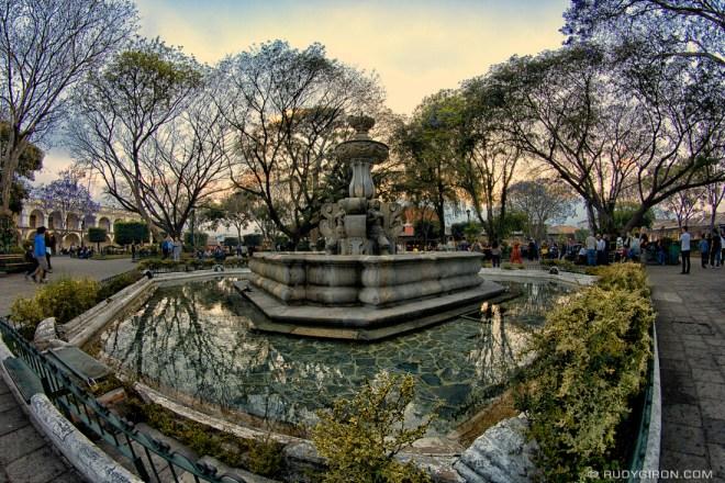 Rudy Giron: AntiguaDailyPhoto.com &emdash; Fuente de las Sirenas, Antigua Guatemala