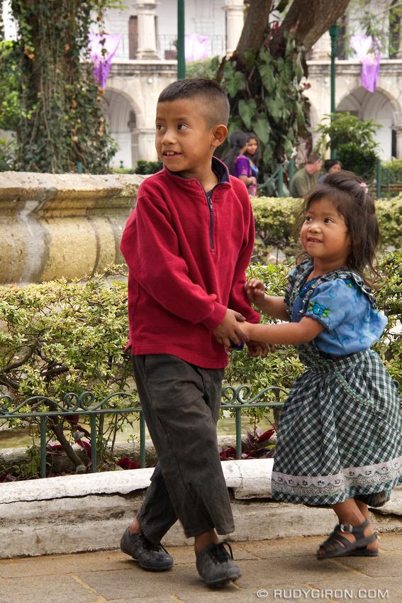 Rudy Giron: AntiguaDailyPhoto.com &emdash; Guatemalan Kids Playing at the Park