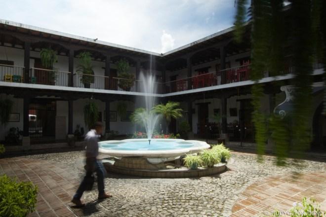 Rudy Giron: Antigua Guatemala &emdash; Long exposure at midday in El Jaulón