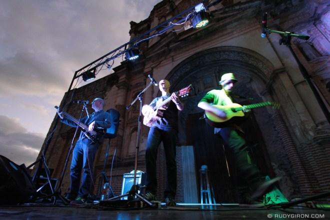 Rudy Giron: Concierto de Karpatt en Antigua Guatemala &emdash;