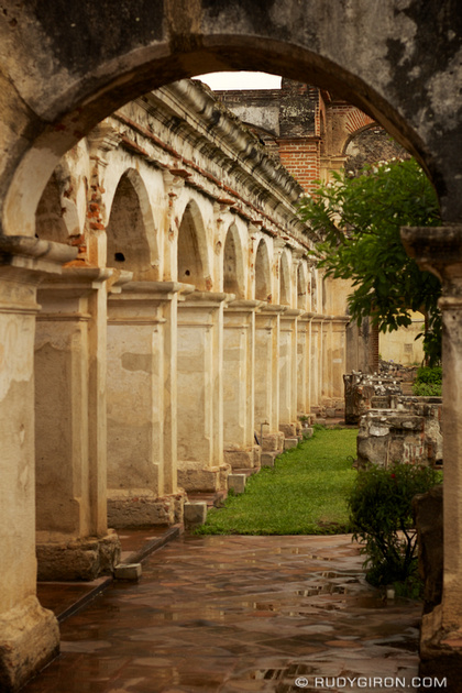 Rudy Giron: Antigua Guatemala &emdash; Arches R Us © Rudy Giron