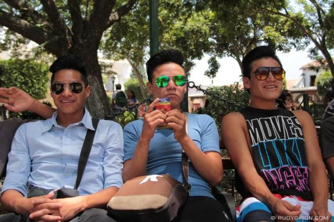 Rudy Giron: Antigua Guatemala &emdash; Lens-ware Fashionistas at Parque Central