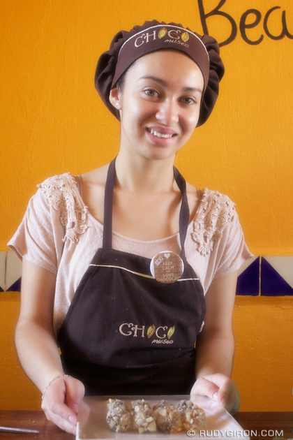 Rudy Giron: Antigua Guatemala &emdash; Would you like to try my chocolates?