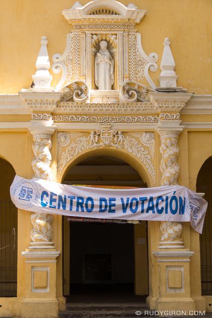 Rudy Giron: Antigua Guatemala &emdash; Centro de Votación en La Antigua Guatemala