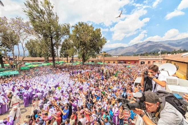 Rudy Giron: Antigua Guatemala &emdash; Holy Week Processions — La Reseña of La Merced 2