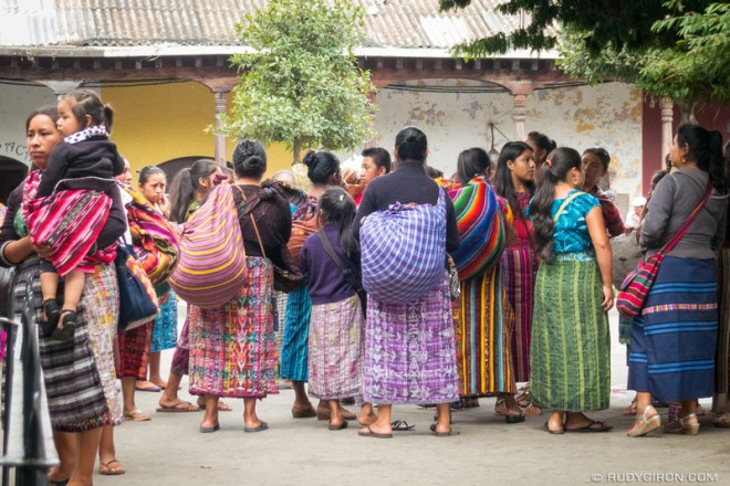 Rudy Giron: Antigua Guatemala &emdash; Ambulant Maya Handicraft Vendors Get Together