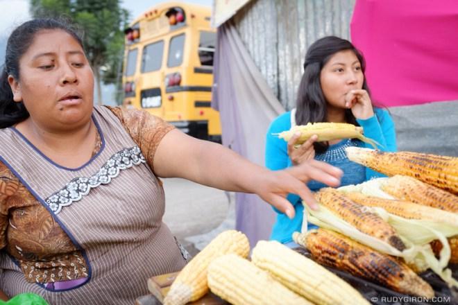Rudy Giron: Antigua Guatemala &emdash; Elotes asados en la feria