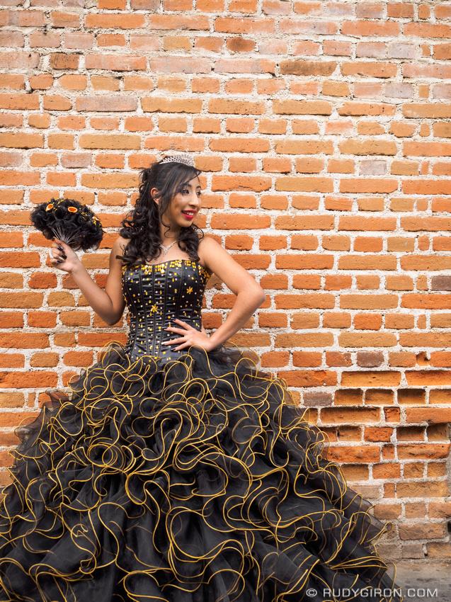 Rudy Giron: Antigua Guatemala &emdash; Quinceañera photo session in Antigua Guatemala