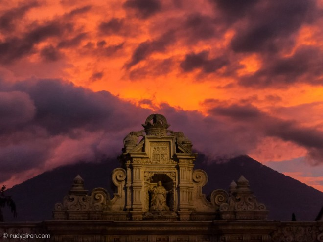 Street Photography Walks in Antigua Guatemala with Rudy Giron