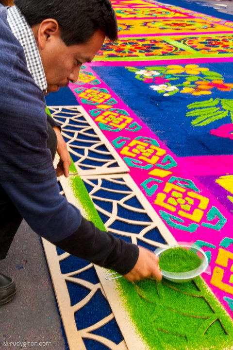 The Last Semana Santa Vistas — Final Touches of a Processional Carpet BY RUDY GIRON