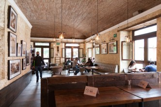 PHOTO STOCK: Gradual Opening of Dining Areas in Antigua Guatemala